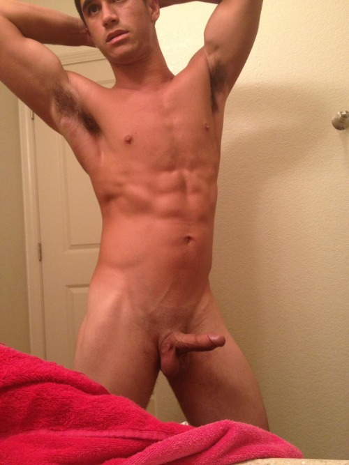 Sexy Muscle Boy With Shaved Hard Cock - Nude Amateur Guys