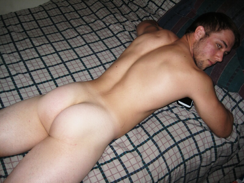 Horny Muscle Guy Jerking Off And Cums - Nude Amateur Guys