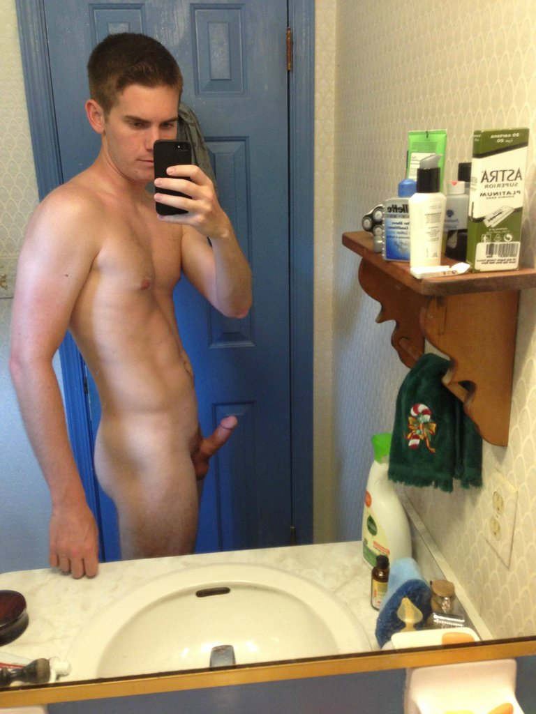 Horny Cute Teen Boy Getting Naked - Nude Amateur Guys