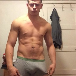 Hot Hunk With A Big Good Looking Cock