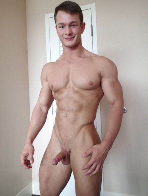 Sexy Muscle Boy With A Perfect Body - Nude Amateur Guys